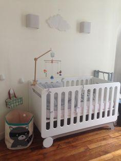 Découvrez le lit bébé évolutif et la commode Pepper blanche et lin de Mathilde #ChambreEnfant #lit #bébé