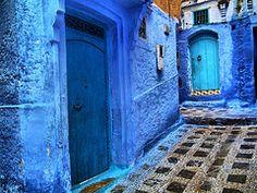 CHAOUEN, Marruecos (toyaguerrero) Tags: azul azul índigo Marruecos Maroc medina Chaouen Chefchaouen marruecos catalán guerrero toya ail xauen maravictoriaguerrerocataln toyaguerrero maravictoriaguerrerocatalntrujiillana thecoolschoolblog