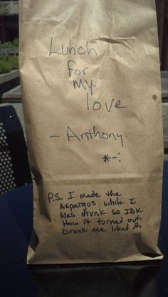 When he packs you lunch. 8creative husbands who have abrilliant sense ofhumour.
