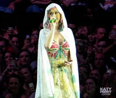 The O2 Arena in London, England - 05.30 [HQ] - 14352635402 8dc12d705f o - Katy Perry Brasil Photo Gallery