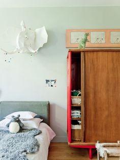 Children's room - Vintage wardobe - Via Milk Magazine