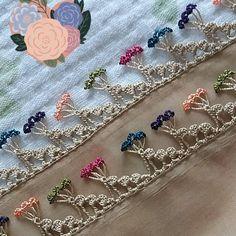 Crochet Edging Patterns, Crochet Borders, Baby Knitting Patterns, Knitting Stitches, Crochet Designs, Embroidery Stitches, Hand Embroidery, Embroidery Designs, Crochet Summer Tops