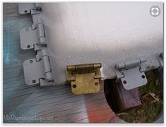 spray paint hinges old kitchen cabinet hinges - absolutely! In a white kitchen, paint those things WHITE. Otherwise, your eye goes to those old, grungy brass things. Cupboard Hinges, Kitchen Cabinets Hinges, Painting Kitchen Cabinets, Kitchen Paint, Kitchen Redo, Kitchen Ideas, Kitchen Hardware, Kitchen Remodel, Furniture Makeover