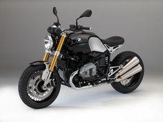 OK c'est un BMW promis la prochaine sera une HARLEY. Il est possible de personnaliser le capot de la nineT.