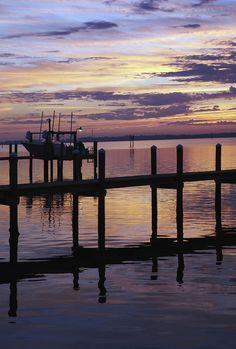 ✯ Dock at Dawn