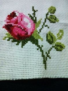 This post was discovered by Eva almeida. Discover (and save!) your own Posts on Unirazi. Cross Stitch House, Cross Stitch Charts, Cross Stitch Designs, Cross Stitch Patterns, Cross Stitching, Cross Stitch Embroidery, Bow Pillows, Tunisian Crochet Patterns, Stitch Cartoon