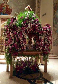 Orthodox Easter, Church Flowers, Flower Arrangements, Church Decorations, Christmas Tree, Holiday Decor, Spring, Greek, Home Decor