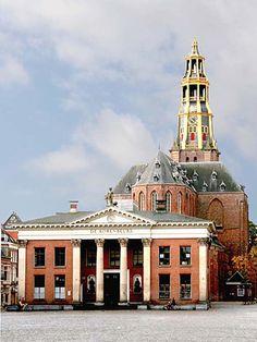 Korenbeurs en de A kerk. Groningen.