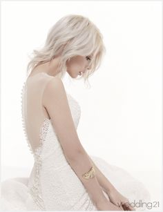 The FashionBrides is the largest online directory dedicated to bridal designers and wedding gowns. Find the gown you always dreamed for a fairy tale wedding. Sexy Wedding Dresses, Wedding Gowns, Wedding Day, Bridal Beauty, Bridal Makeup, 2017 Bridal, Queen Dress, Dream Dress, Bridal Collection