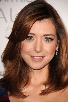 Alyson Hannigan (HIMYM, Buffy, Angel) - Love her hair color and cut here!