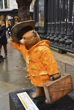London, Paddington Bear Trail, Bear Necessities By John Hurt. #paddington