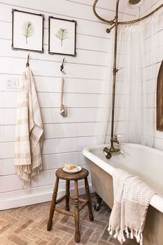 This spectacular farmhouse bathroom idea combines a perfect mix of modern with rustic touches. Simple yet beautiful, this bathroom would fit perfectly into any home.
