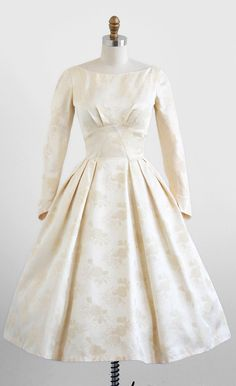vintage 1950s cream damask wedding dress.