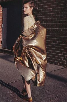 How To Wear Metallic