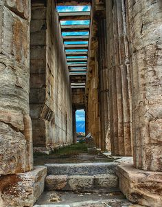 The Temple of Hephaestus is a well-preserved Greek temple; it remains standing largely as built. It is a Doric peripteral temple, and is located at the north-west side of the Agora of Athens, on top of the Agoraios Kolonos hill. Ancient Greek Art, Ancient Ruins, Ancient Greece, Mykonos, Monuments, Wonderful Places, Beautiful Places, Different Points Of View, Ancient Greek Architecture