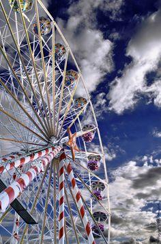 Ferris Wheel by Gilles Menghetti, via 500px