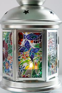 Discover thousands of images about Glass art lamp Stained Glass Patterns, Stained Glass Art, Mosaic Glass, Fused Glass, Glass Painting Designs, Pottery Painting Designs, Glass Bottle Crafts, Bottle Art, Painted Mugs