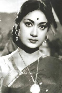 Savitri - Post a free ad - Onenov. Indian Film Actress, Old Actress, Indian Actresses, Tamil Actress, South Indian Heroine, Biba Fashion, Indian Goddess, Vintage Bollywood, Indian Movies