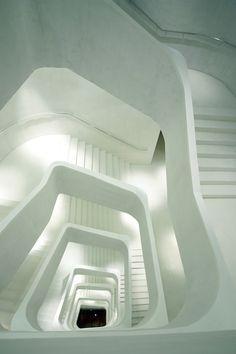 Escalera del CaixaForum, Madrid