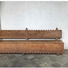 scalloped antique bench for entry // fort & field Antique Furniture, Wood Furniture, Furniture Design, Outdoor Furniture, Outdoor Decor, Antique Bench, Joinery Details, Chaise Vintage, Decoration