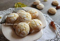 J'ai été récemment prise d'une envie subite de biscuits au citron... peut-être parce que j'avais aperçu d'adorables craquelés au citron chez...