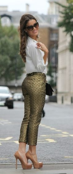 brocade pants - Crop Dourada by belen balsera