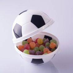 25 bolas de futebol - lembrancinha de festa infantil Soccer Birthday, Soccer Party, 7th Birthday, Soccer Ball, Birthday Parties, Ideas Para Fiestas, Bridal Shower, Birthdays, Kids