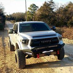Toyota Tundra Trd Pro, Lifted Tundra, Tundra Truck, Toyota 4x4, Toyota Trucks, Toyota Cars, Toyota Hilux, Toyota Vehicles, New Trucks