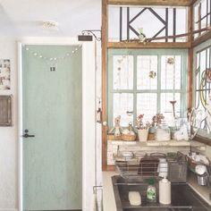 icchiさんの、ナチュラルキッチン,扉,窓枠DIY,リーフグリーン,キッチン,のお部屋写真