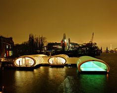 Badeschiff-Sauna in Berlin-Treptow: Wellness lounge and swimming pool within the Spree river