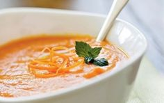 Zuppa di carote allo zenzero - E' arrivato il periodo delle zuppe e allora che zuppa sia, ma non una banale e scontata, vi propongo una deliziosa zuppa di carote allo zenzero, uniremo il sapore dolce delle carote a quello particolare dello zenzero, una ricetta da provare subito!