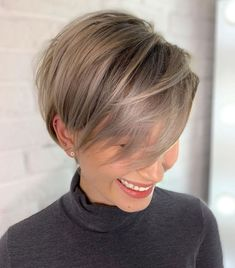 Latest Short Hairstyles for Winter 2020 , Pixie haircut has a harvest variant and is not very easy to maintain. If you like it so much, you can always have a bang and free neck cut. To grow a pixie neckline is very easy. Thin Hair Cuts, Short Thin Hair, Short Hair With Layers, Short Hair Cuts For Women, Short Hair Styles, Short Pixie, Cuts For Thinning Hair, Short Stacked Hair, Pixie Cut Styles