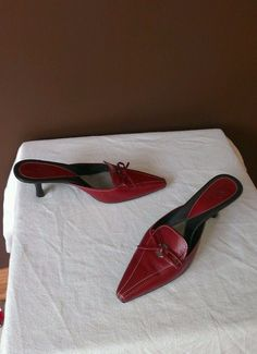 Cole Haan red Fall sandals 6.5B, excellent condition #ColeHaan #ClosedToe