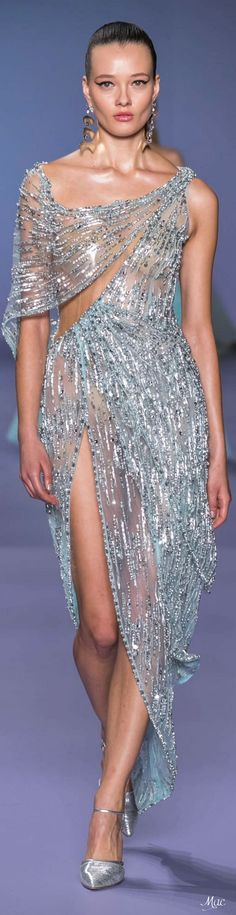 Spring 2020 Haute Couture Georges Hobeika - The little thins - Event planning, Personal celebration, Hosting occasions Georges Hobeika, Grey Fashion, Fashion 2020, Runway Fashion, Fashion Brands, Elegant Outfit, Elegant Dresses, Formal Dresses, Formal Wear