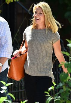 50809c87597e Claire Danes grins ear to ear while on the Brooklyn set of Homeland