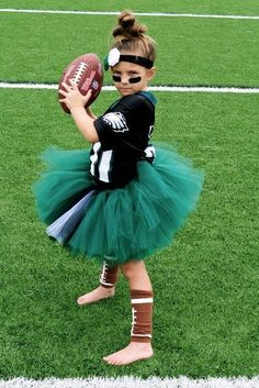 12 Funny Halloween Costume Ideas For Girls | Kidsomania & Check out this sexy World Cup soccer player Halloween costume ...