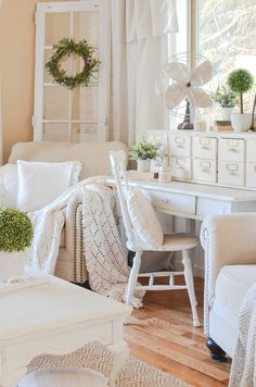 How to Get Farmhosue Style in any Room. Easy tips to make any room warm and cozy!