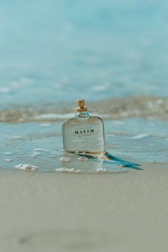 Mayim perfume is a specialty product by AMA LURRA that combines a variety of extracts to create a wonderful and sweet scent. That fits both man and woman