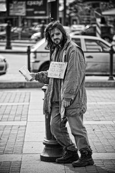Poverty doesnt just exist in third world countries Street Photography, Portrait Photography, Photography Ideas, Fotografia Social, Third World Countries, Homeless People, Lest We Forget, Helping The Homeless, Documentary Photography