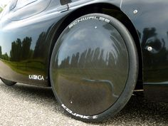 carbon fiber front wheel cover on WAW 291 velomobile