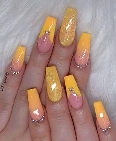 23 Great Yellow Nail Art Designs 2019 - nails - Best Nail World Summer Acrylic Nails, Best Acrylic Nails, Acrylic Nail Designs, Summer Nails, Nail Art Designs, Long Nail Designs, Pastel Nails, Yellow Nails Design, Yellow Nail Art