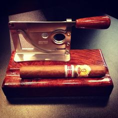 Bolivar, one of the most consistent Cubans through the years... and of coarse a beautiful cutter.