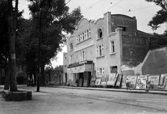 Años 20's Cine Centenario a un costado del Jardín o Plaza Centenario en Coyoacán. INAH-SINAFO. La Ciudad de México en el Tiempo | Flickr - Photo Sharing!