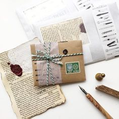 Have been preparing the mails to my friends will try my best to send them out tomorrow sorry for keeping you waiting Envelopes Decorados, Wrapping Gift, Tarjetas Diy, Snail Mail Pen Pals, Pen Pal Letters, Envelope Art, Handwritten Letters, Happy Mail, Letter Writing
