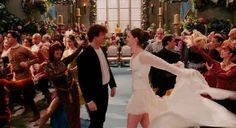 Screencap of Ella (Anne Hathaway) and Prince Charmont (Hugh Dancy) 766912