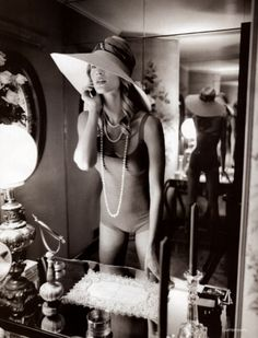 Oh to be glamorous/Hat/Pearls