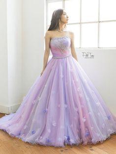 I love beautiful women in beautiful dresses Quince Dresses, 15 Dresses, Ball Dresses, Ball Gowns, Evening Dresses, Fashion Dresses, Pretty Prom Dresses, Elegant Dresses, Fairytale Dress