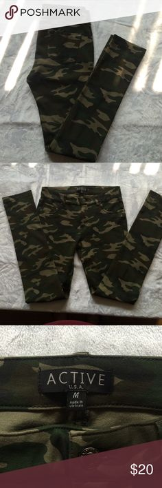 New w/ot tags camouflage pants Camouflage stretch skinny pants Active Pants Skinny