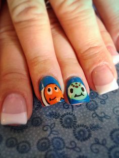 Finding Nemo and Squirt nail art