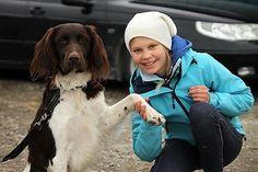 Ønsker du at barnet ditt skal få bedre helse, selvtillit og leve lengre? Da burde du ha en hund i hus.